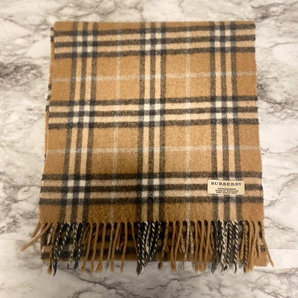 BURBERRY CASHMERE SCARF AUTHENTIC classic